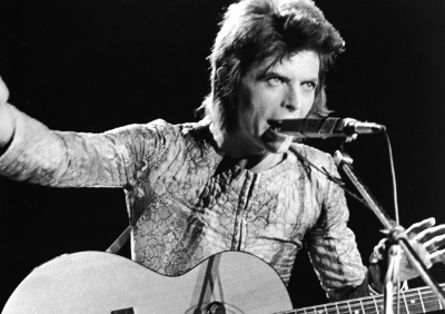 David-Bowie-Performing-As-Ziggy-Stardust